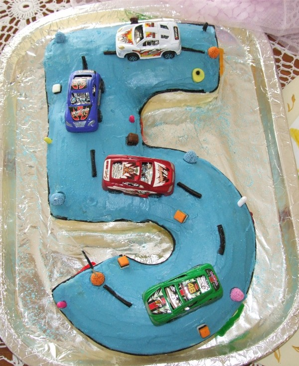 Cake Ideas For 5 Year Old Boy Birthday : Mr Jump - Jumping castle fun for all